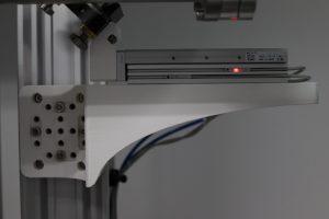 Držák pneumatického stolku testovaný v laboratoři